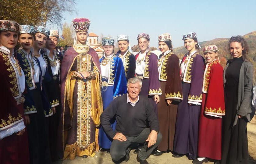 Nastup Kud-a Kopaonik u Brnjaku (Zubin Potok) mestu gde je bila prva škola Jelene Anžujske